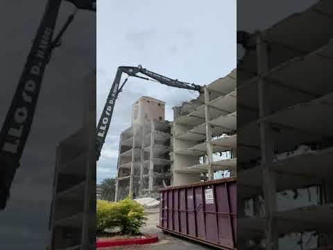 Watch the GDT 190 Demolition Tool easily crunch through a 6-story hotel.